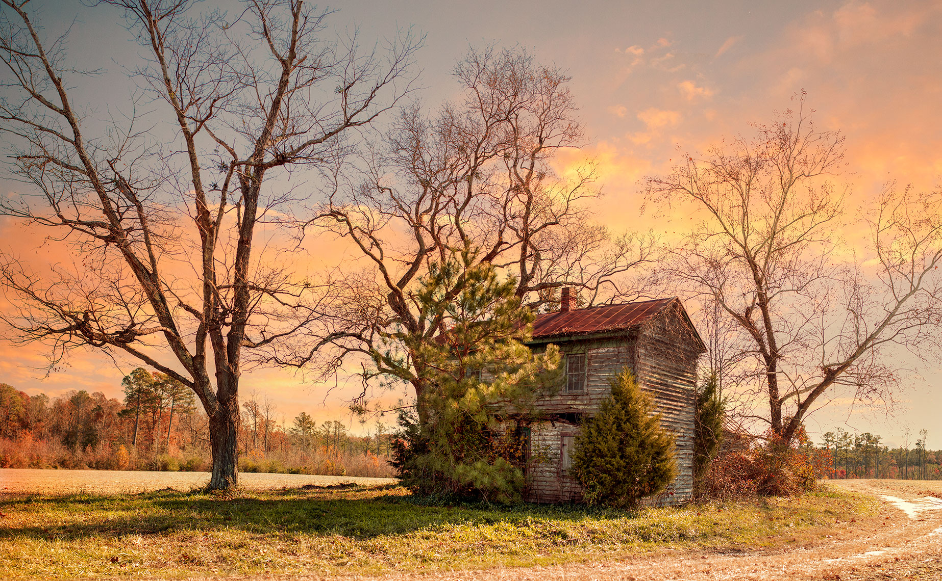 Photography, Photo Illustration and Retouching on Old-House-Topping-VA_11.26.17